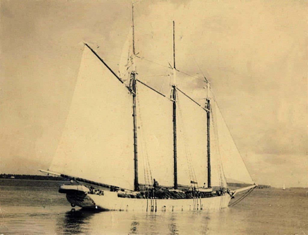 Bajan schooner - Florence M. Douglas