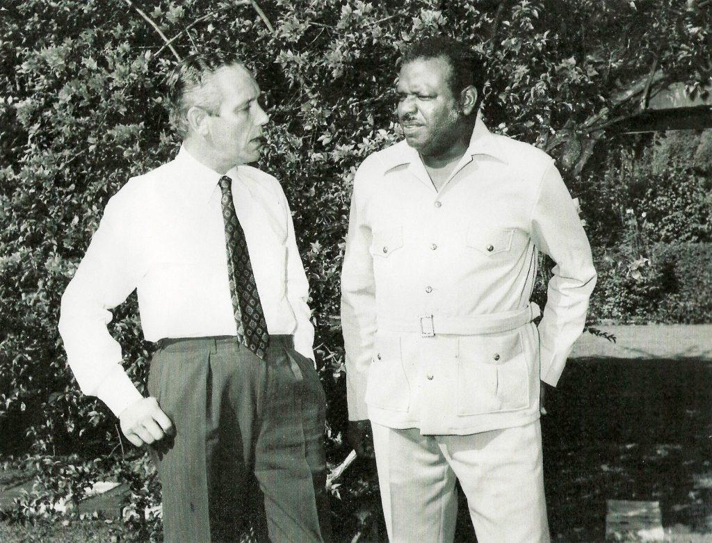 Andy Cole and Errol Barrow at Culloden Farm May 1972