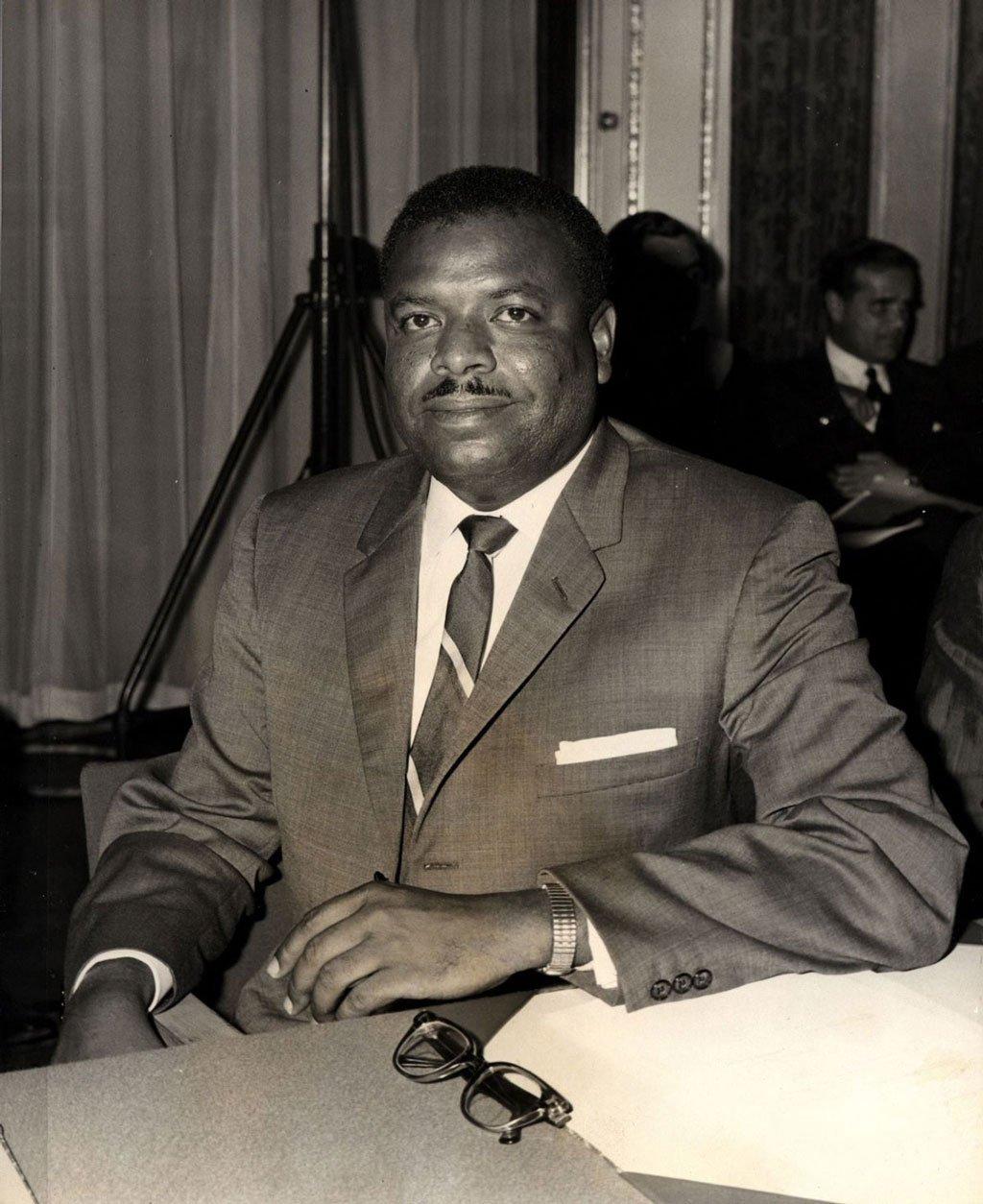 Errol Barrow wearing RAF striped tie