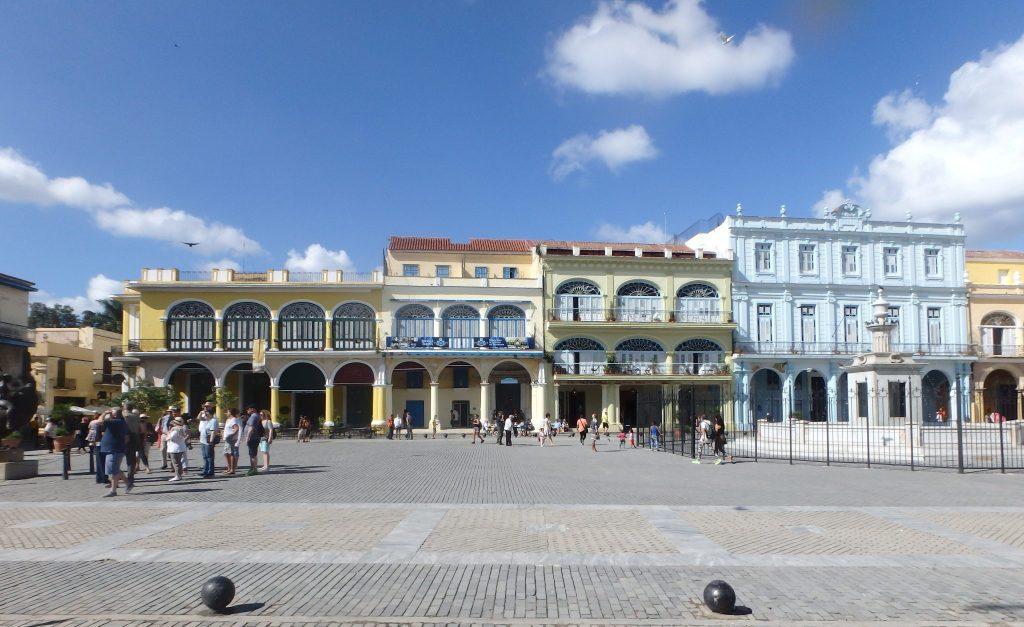 Cuba - Havana - Plaza Vieja (Old Square)
